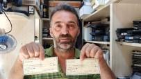 ÇÖP KONTEYNERİ - Sokakta Bulduğu 50 Bin Dolarlık Çekleri Polise Teslim Etti