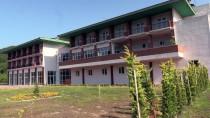 ARAZİ ANLAŞMAZLIĞI - 20 Yıllık Atıl Otel Turizme Kazandırıldı