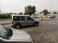 ELEKTRİK DİREĞİ - Ankara'da Direk Araçların Üzerine Devrildi