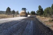 KAYAK MERKEZİ - Derbent Aladağ Kayak Merkezi Yolu Asfaltlanıyor
