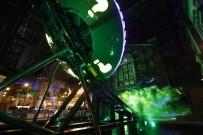 KARİKATÜR - Dünyanın En Büyük Kapalı Eğlence Merkezi Açıldı