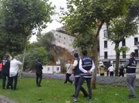ÇÖKME TEHLİKESİ - İHA Muhabiri Binanın Çökme Anını Saniye Saniye Fotoğrafladı