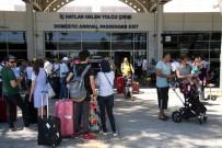 BOĞAZ TURU - İstanbul'a Gelen Turist Sayısı Yüzde 50 Arttı