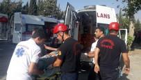 ELEKTRİK DİREĞİ - Kahramanmaraş'ta Trafik Kazası Açıklaması 3'Ü Ağır 12 Yaralı