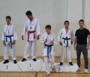 Karateciler Başarıya Doymuyor