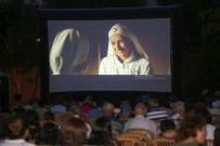AŞIK VEYSEL - Yenimahalle'de Açık Hava Sinema Günleri Başladı