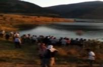 FIRAT NEHRİ - Fotoğraf Çekerken Sandaldan Düşüp Öldü