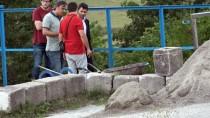 CENAZE ARACI - Kanalizasyonda İkinci Kez Cenin Bulundu