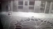 İNTIHAR - 15. kattan atladı, böyle çakıldı