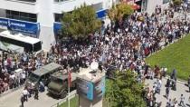 CENAZE ARACI - Şehit Törenindeki Türk Bayrağı Görüntüsü Sosyal Medyada İlgi Odağı Oldu