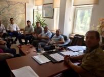 Şehit Yakınları Ve Gazilerden Komutana Ziyaret