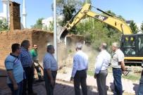 HARABE - Yeşilyurt Belediyesi 201 Adet Metruk Binayı Yıktı