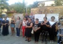 Yunanistan'daki Yangında Yaşamını Yitirenler Anıldı