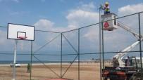 Burhaniye'de Öğretmenler Mahallesi Spor Sahası Hazır