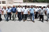 TAM GÜN - Çiftçilerden DSİ Önünde Su Protestosu