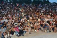DEMOKRASİ PARKI - Çiğli'de Ahmet Arslan'dan Unutulmaz Konser