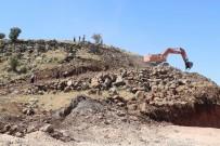 İNSAN KEMİKLERİ - Define Ararken Mezarlıkları Tahrip Ettiler