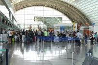 ADNAN MENDERES HAVALİMANI - Havalimanlarındaki Yolcu Sayısında Artış Var