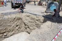 ÇEVRE KIRLILIĞI - Kuşadası'nda Yer Altı Çöp Konteynerlerinin Sayısı 42'Ye Yükseldi