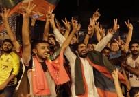 ADALET PARTİSİ - Pakistan Seçimlerinde Eski Kriketçi Galibiyete Yakın