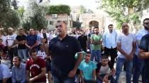 HAREM-İ ŞERİF - Filistinliler İkindi Namazını Mescid-İ Aksa'nın Kapısında Kıldı