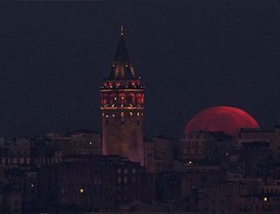 Türkiye'den muhteşem kanlı ay manzaraları