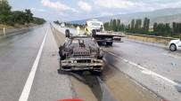 YAŞLI ÇİFT - Tosya'da Yaşlı Çiftin Otomobili Alev Alev Yandı