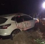 Trabzon'da Ağaç Otomobilin Üstüne Devrildi