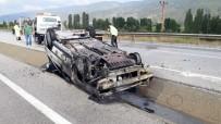 YAŞLI ÇİFT - Yanan Otomobilden Son Anda Kurtarıldılar
