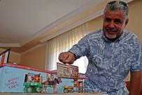FELSEFE - Çöpten Bulduğu Atıklardan Yaptığı Maketlerde Çocukluğunu Yaşatıyor