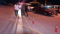 GÜNCELLEME 2 - Çankırı'da Hafif Ticari Araç Polislere Çarptı