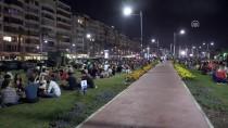 KORDON - İzmirliler Ay Tutulmasını Kordon'da İzledi
