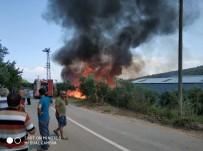 Bursa'da Kereste Fabrikası Alev Alev Yandı