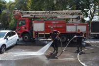 İTFAİYE MÜDÜRÜ - Sinop'ta Kaldırımlar Deterjanlı Su İle Yıkandı