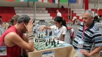 SATRANÇ TURNUVASI - 4. Uluslararası Çubuk Belediyesi Satranç Turnuvası Sona Erdi