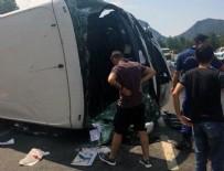 TUR OTOBÜSÜ - Antalya'da turist otobüsü ile iki otomobille çarpıştı... Ölü ve yaralılar var