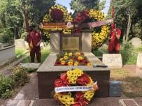 SÜLEYMAN SEBA - Ali Sami Yen mezarı başında anıldı