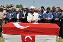 AHMET ARSLAN - Hain Saldırıda Şehit Olan Nurettin Karadeniz Toprağa Verildi