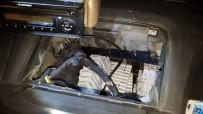 Kamyonetin Tabanındaki Gizli Bölmede Kaçak Sigara Çıktı