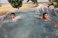 Römorku Çocukları İçin Havuza Çevirdi