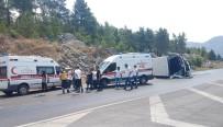 TUR OTOBÜSÜ - Tur Otobüsü Otomobil İle Çarpıştı Açıklaması 2 Ölü, 31'İ Çinli 33 Yaralı