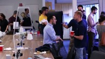SILIKON VADISI - Türk Girişimciler Silikon Vadisi'ndeki Şirketleri Ziyaret Etti