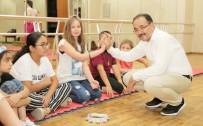 NURULLAH CAHAN - Uşak Belediyesi Geleceğin Sanatçılarını Yetiştiriyor