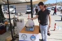 Alışverişte İçine Şüphe Düşen Vatandaş İçin Belediyeden Terazi Ölçüm Noktası