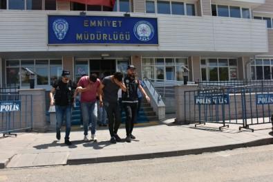 Ankara'dan Kırıkkale'ye Eroin Getirirken Yakalandılar