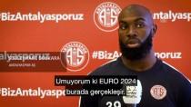 BUNDESLIGA - Antalyasporlu 3 Oyuncudan Türkiye'ye Avrupa Şampiyonası Desteği