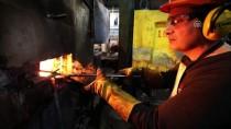 MORDOĞAN - Ateşe Meydan Okuyup Çeliğe 'Hayat' Veriyorlar