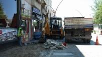 KALDIRIMLAR - Belediye Ekipleri Bülent Ecevit Caddesi'nde