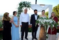 NİKAH TÖRENİ - Binlerce Çiftin Nikahını Kıydı Kızının Nikahında Duygulandı