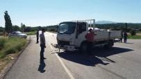 Gediz'de Trafik Kazası Açıklaması 2 Yaralı